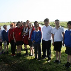 Children from Millfield Primary and Swaffham Prior Primary School at Brandon Creek